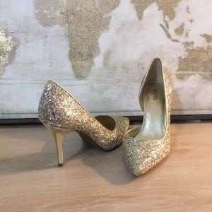 ✨NWT! Michael Kors Gold Nathalie High pumps